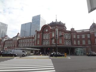 新しくなった東京の駅舎
