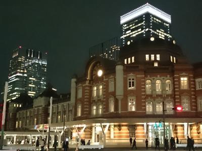 東京駅丸の内口前